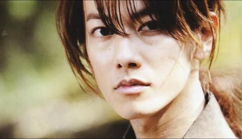 Takeru Sato on as Himura Kenshin in the Rurouni Kenshin Movie