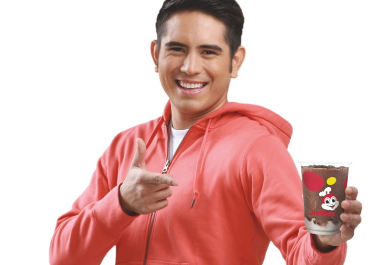 Gerald Anderson and Jollibee Flip Floats